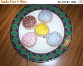 Felt food - Five Round Sprinkle Sugar Cookies - pretend play - pretend bakery - baker - tea party - dessert