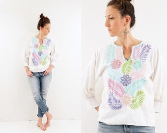 FALL SALE vintage 70s PASTEL embroidered Mexican blouse S-M
