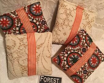 APPLE CRISP Sachets with Lace, set of 4 drawer sachets, handmade, Yummy Apple Cinnamon fragrance