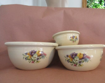 Vintage Yesteryears Hand Turned Bowl Set  Made in Marshall Texas Kitchen Ware 3 sizes