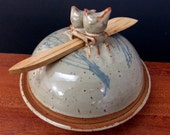 Stoneware Butter or Cheese Dish With Knife ~ Wild Weed Design ~