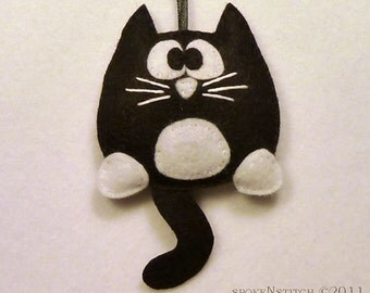 Cat Ornament Tuxedo Kitty Ornament PATTERN Felt Christmas Kitten Ornament Pussy Cat Decoration DIY Sewing Project Gift Topper PDF Meow