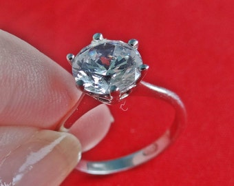 GORGEOUS Vintage rhinestone silver tone solitaire ring in great condition, appears unworn  Sizes available 6, 8, 9 & 10
