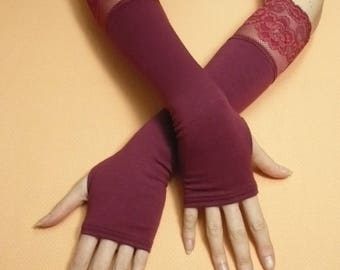 Burgundy Lace Fingerless Gloves Gothic and Cabaret Style, Stretchy Armwarmers Belly Dance Style Wedding Noir, Steampunk Fusion DAnce Stulpen