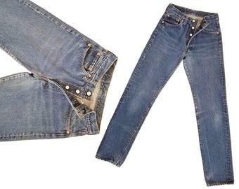 Vintage Levi 501 Denim Jeans 60s 70s Levis 501s High Waist Jeans Faded Levi 501 Button Fly Jeans / Single Felled Inseam Levi Jeans 26 Waist