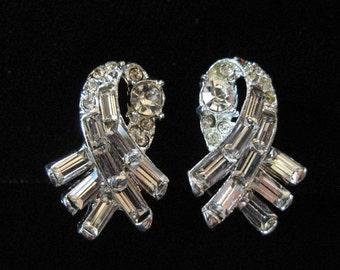 Clear Rhinestone Ribbon Style Earrings
