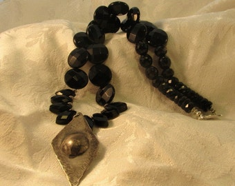 Black Agate and Onyx Pendant Necklace