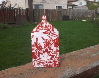 Red and White Maple Leaf Luggage Tag