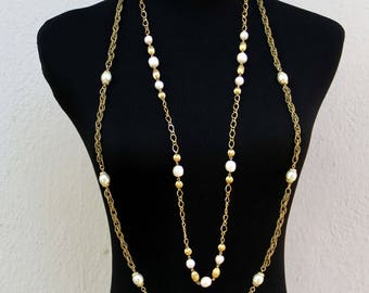 Two Vintage Long Necklace Chains in Pearl and Gold