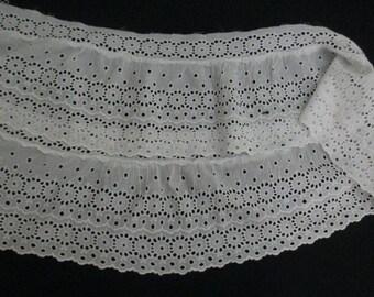 Vintage White Eyelet Trim Lace Antique Lace Wide