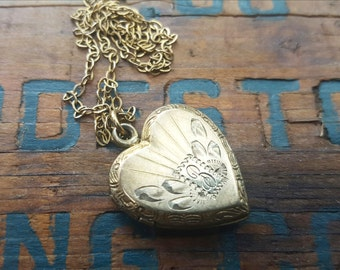 Vintage Heart Locket, Photo Locket, Engraved B, Personalized 1940s Jewelry, Gift For Mom, Wife, Under 50, With Chain