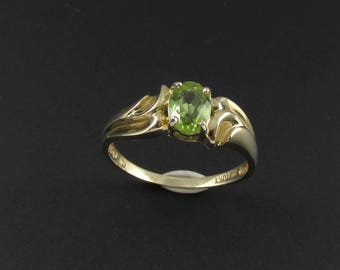 10K Gold Peridot Ring, Gold Ring, August Birthstone, Green Ring, Peridot Ring, Size 7 Ring, 10K Peridot Ring