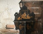 Chinese black lacquer shelf | gilt | chinoiserie | curio kinck knack shelf