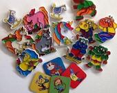 Assorted vintage magnets - 16