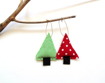 Balsam pine tree sachet set of two, Christmas balsam tree trimming, pine and cinnamon chips, Holiday decor scented sachets, red green