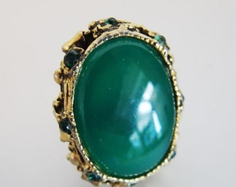 ON SALE Pretty Vintage Baroque Style Green Glass & Rhinestone Statement Ring