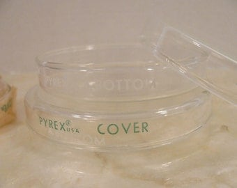 Petri Dish and Cover - Corning Pyrex Laboratory Glassware - Vintage New Old Stock - Unused -