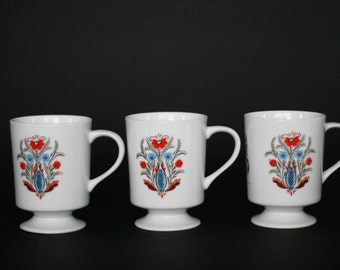 vintage berggren footed coffee cups set of three