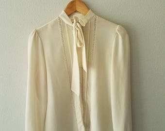 Vintage 70s CREAM Pussy Bow Tie Blouse (s-m)