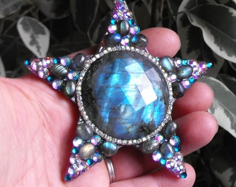 JUMBO gem cut LABRADORITE shining star, magical, moon, goddess, blue, shimmer, pendant
