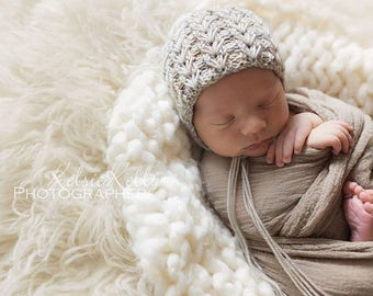 Knit Baby Hat, Photography Prop, Newborn Baby Bonnet, Baby Hat, Newborn Photo Prop, Knit Photo prop, Merino Hat, Photo Shoot Prop