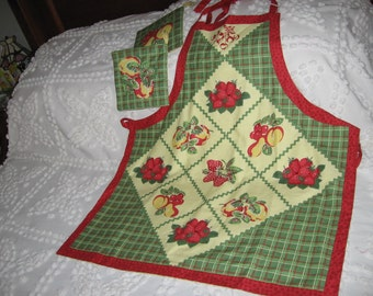 Retro print yellow and green apron with potholders
