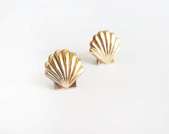 Scallop shell earrings,gold brass shell earrings,gold shell stud earrings, sea earrings,clam shell earrings,sea shell stud earrings