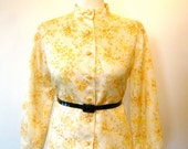ON SALE Vintage 60s / Yellow and Cream Floral / Long Sleeve / Mod Blouse / Medium