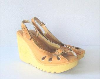 40% OFF SALE Vintage 1970's Beige Leather Wedge Sandals / 70's Platform Heels Hippie Shoes Ladies Size 8 US Woman's