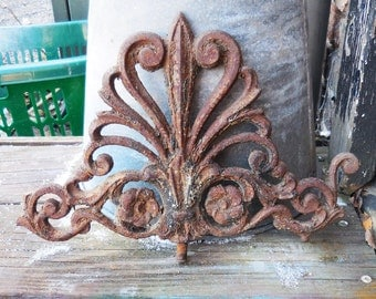 Vintage cast iron Architectural salvage embellishment garden gate fence decorative Victorian Shabby French Country supplies
