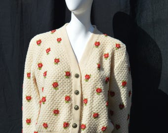 Vintage 60's hand crocheted sweater floral roses handmade size L by thekaliman
