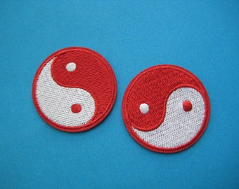 2 pcs iron-on Embroidered Patch Tai Chi Yin Yang Taoism symbol (blk or red) 4cm