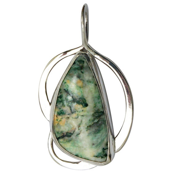 Mariposite and Sterling Silver Pendant, peqg2734