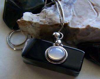 Vintage Sterling Silver Bali Moonstone Pendant