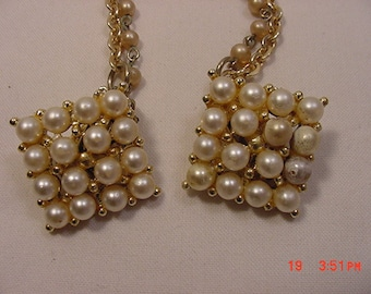 Vintage Faux Pearl Sweater Guard   16 - 615