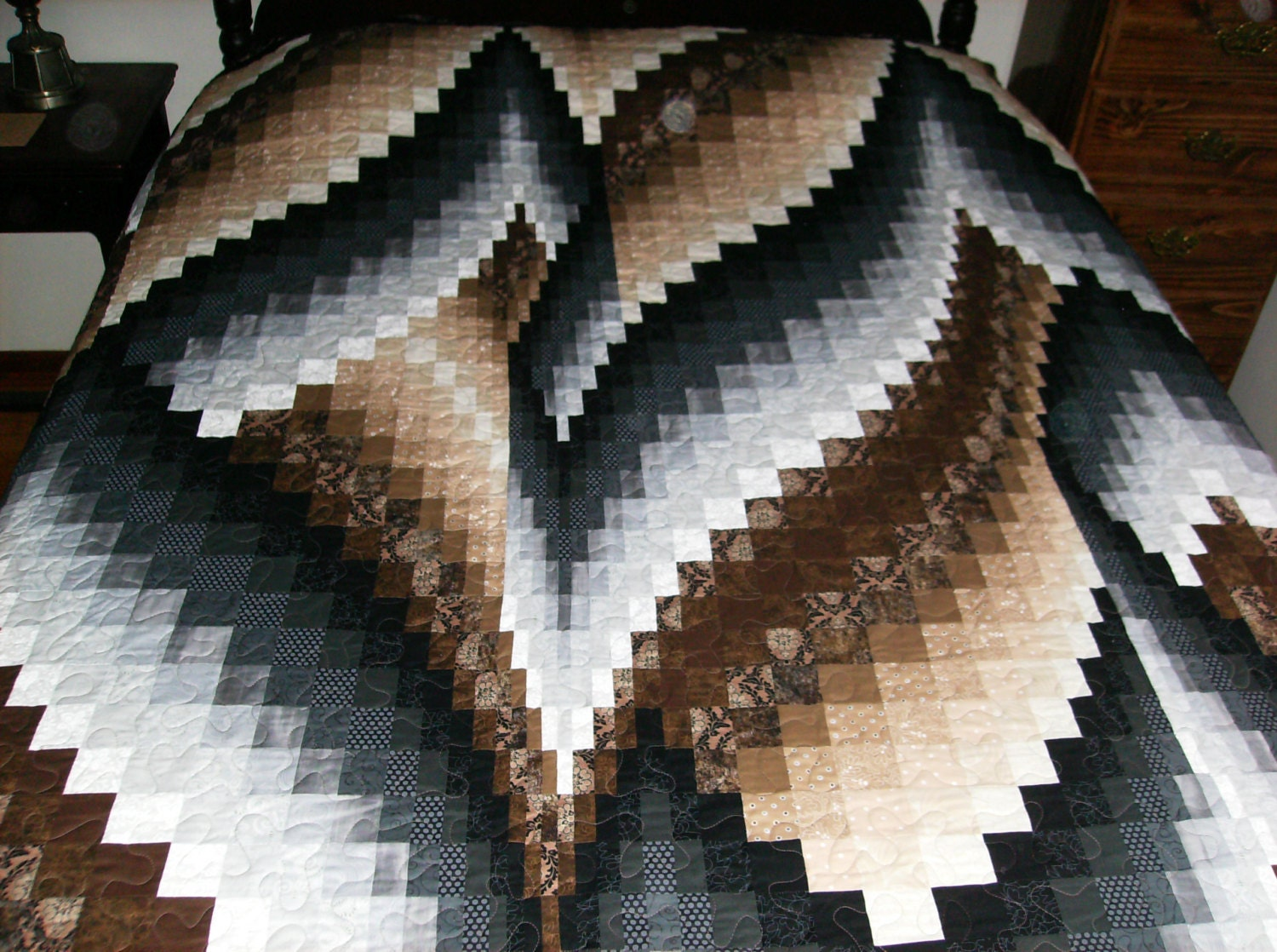 Bargello Vine And Branches Pattern Brown And Black King Size
