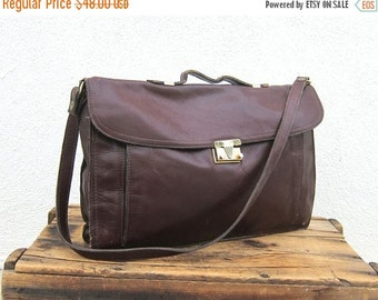 15% OFF Out Of Town SALE SALE Vintage Distressed Wine Leather Wine Leather Satchel Briefcase