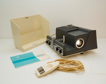Vintage 1960s Crestline Deluxe 35mm Slide Projector with Remote and Manual - WORKS!