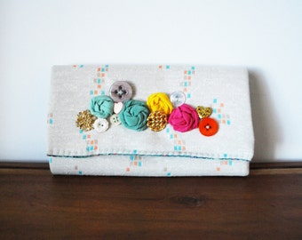 White Graphic Print Cloth Trifold Clutch Wallet with Fabric Rosettes