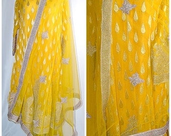 Vintage Metallic Gold and Yellow Silk With Heavy Gold Embroidery Indian Shift and Shawl Suit Sz M