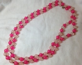 Pink Bead Necklace // Light Pink // Bright Pink // Vintage