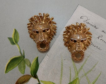 Fun Figural Gold Lion Shoe Clips