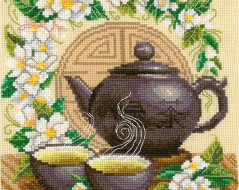 NEW UNOPENED Russian Counted Cross Stitch Kit Golden Hands  M-032 Green tea