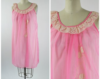 Vintage Pink Nightgown Size Medium with Biege Lace Trim and Lace Appliques Short Nighty