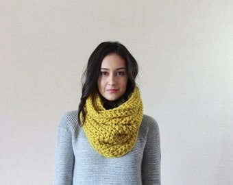 End of season SALE Chunky Thick Textured Ribbed Cowl Scarf Thermal, Neckwarmer, Snood // The Lille - CITRON