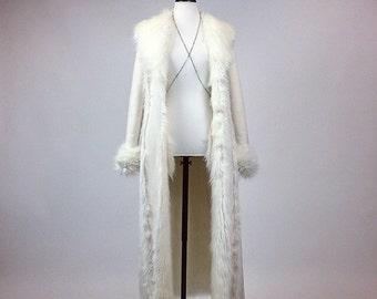 90's Princess White Faux Fur Maxi Coat // XS - S