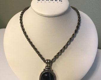 Vintage Dangling Pendant Necklace