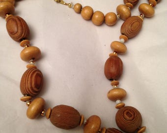 Beautiful Circa 70s Natural Hand Turned Wooden Beaded Necklace Gorgeous Wood Grain Boho Wedding Necklace Boho Hippie Jewelry Necklace