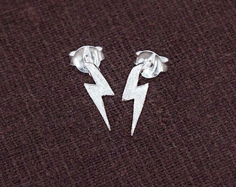 1 pair of 925 Sterling Silver Lightning Bolt Stud Earrings 3x11mm . Matte Finished  :er1070
