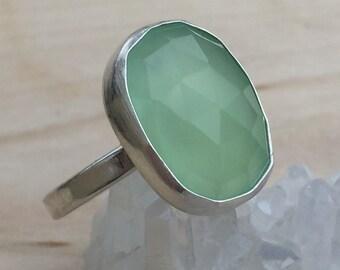 Apple Green Silver Ring, Bezel Set Green Stone Ring, Green Stone Ring, Green Chalcedony Ring, Green Quartz Ring, Green Cocktail Ring